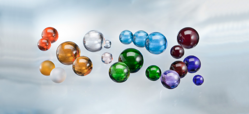Glass beads with whole